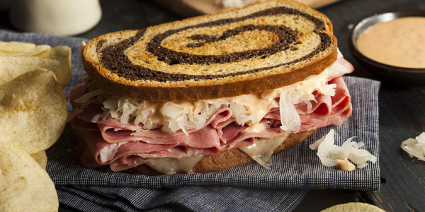 sandwich-for-party-corned-beef